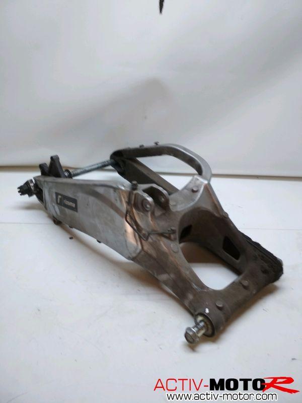 Kawasaki – VERSYS 650 – 2010 à 2014 – Bras oscillant