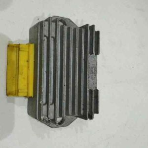 Piaggio – LX 125 – 1998 – Régulateur de tension