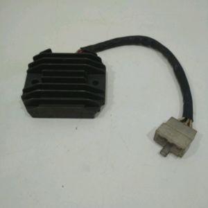 Yamaha – TDM 850 – TDM850 – 1993 à 1995 – Régulateur de tension